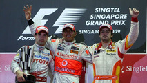 Button moves closer to title in Singapore - results