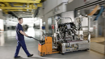 New Mercedes-Benz V-engine is brought to the test bench 07.05.2010