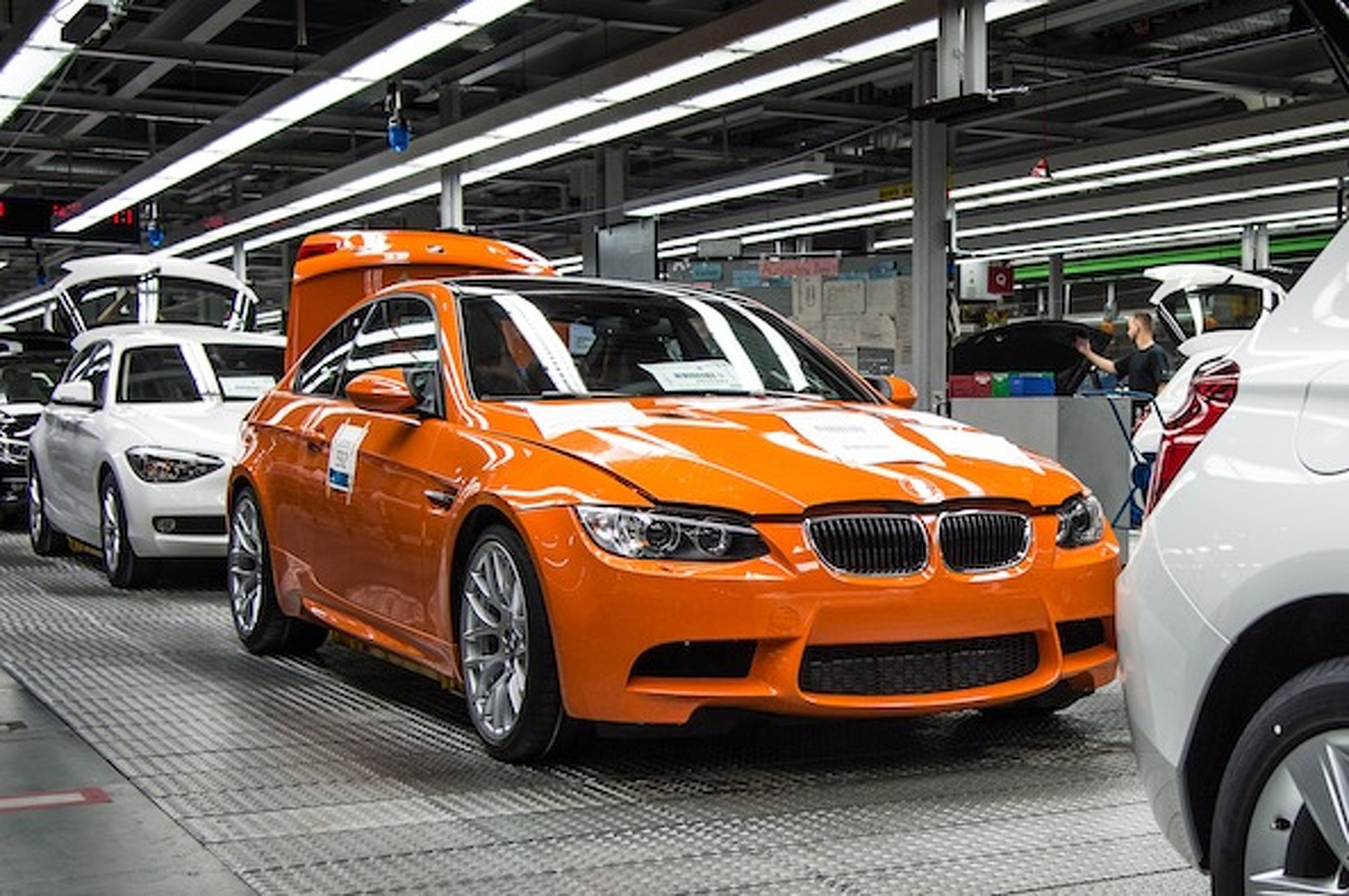 Last BMW M3 Coupe Rolls Along Assembly Line