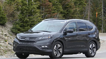 Honda CR-V facelift makes spy photo debut