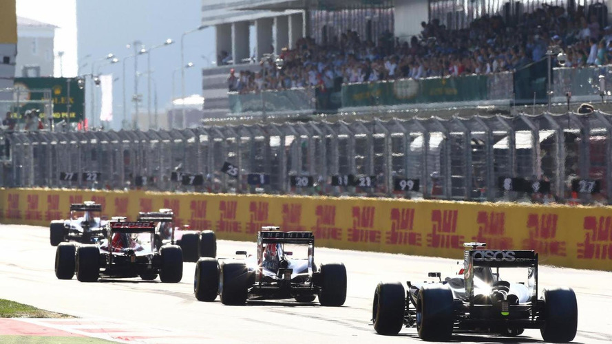 F1 set for three-car teams as more risk collapse