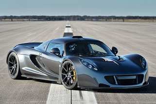Hennessey Venom GT Hits 270.49 MPH — A New World Speed Record