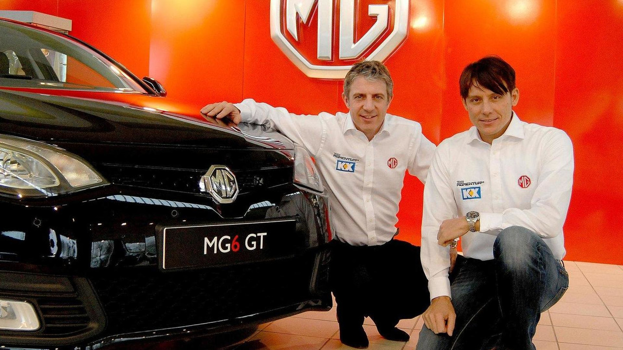 2012 BTCC drivers Jason Plato and Andy Neate with MG6 GT 25.01.2012