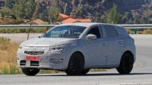 Opel C-Segment Crossover Spy Photos