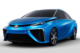 Toyota Creating Computer Chips to Improve its Hybrids