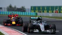 Red Bull says Renault engine 47bhp down on Mercedes
