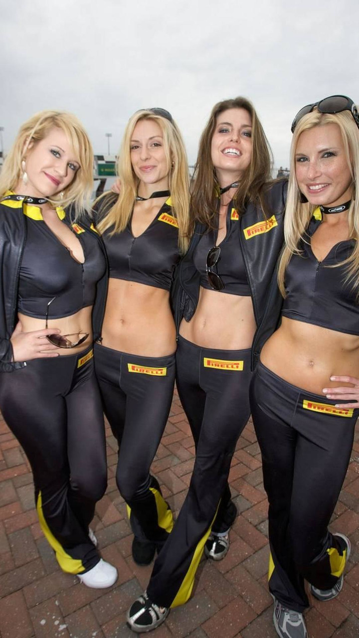 Charming Pirelli girls - Grand-Am Rolex Sports car Series, Rolex 24 at Daytona Beach, 28-31.01.2010 Daytona, USA
