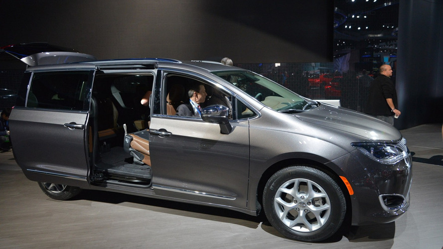 Chrysler retires Town & Country to make room for 2017 Pacifica [VIDEO ADDED]