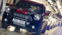 MINI celebrates producing the 250,000th Countryman