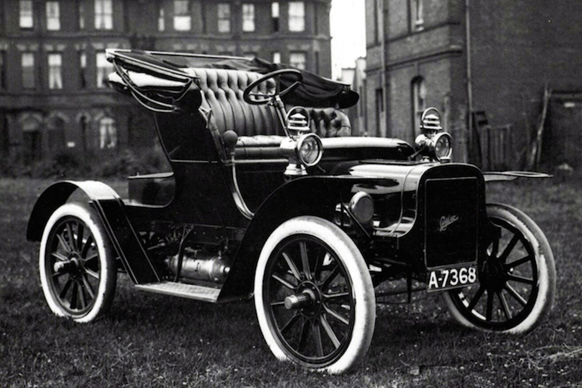 1903 model a the car that started cadillac. Black Bedroom Furniture Sets. Home Design Ideas