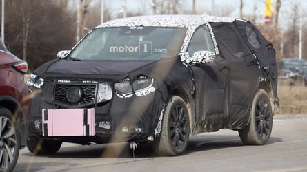 Next Acura RDX spied failing to keep covered up
