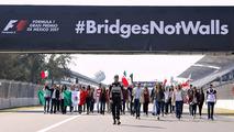 Pilotos apoiam campanha do GP do México contra muro de Trump