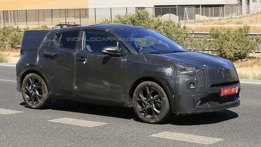 Toyota entry-level crossover spied in Spain