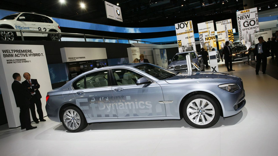 BMW ActiveHybrid 7 Series & Active Hybrid X6 World Debuts [video]