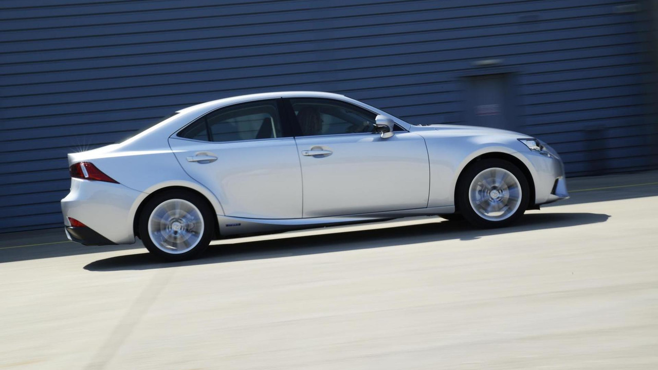 Lexus IS 300h Executive Edition