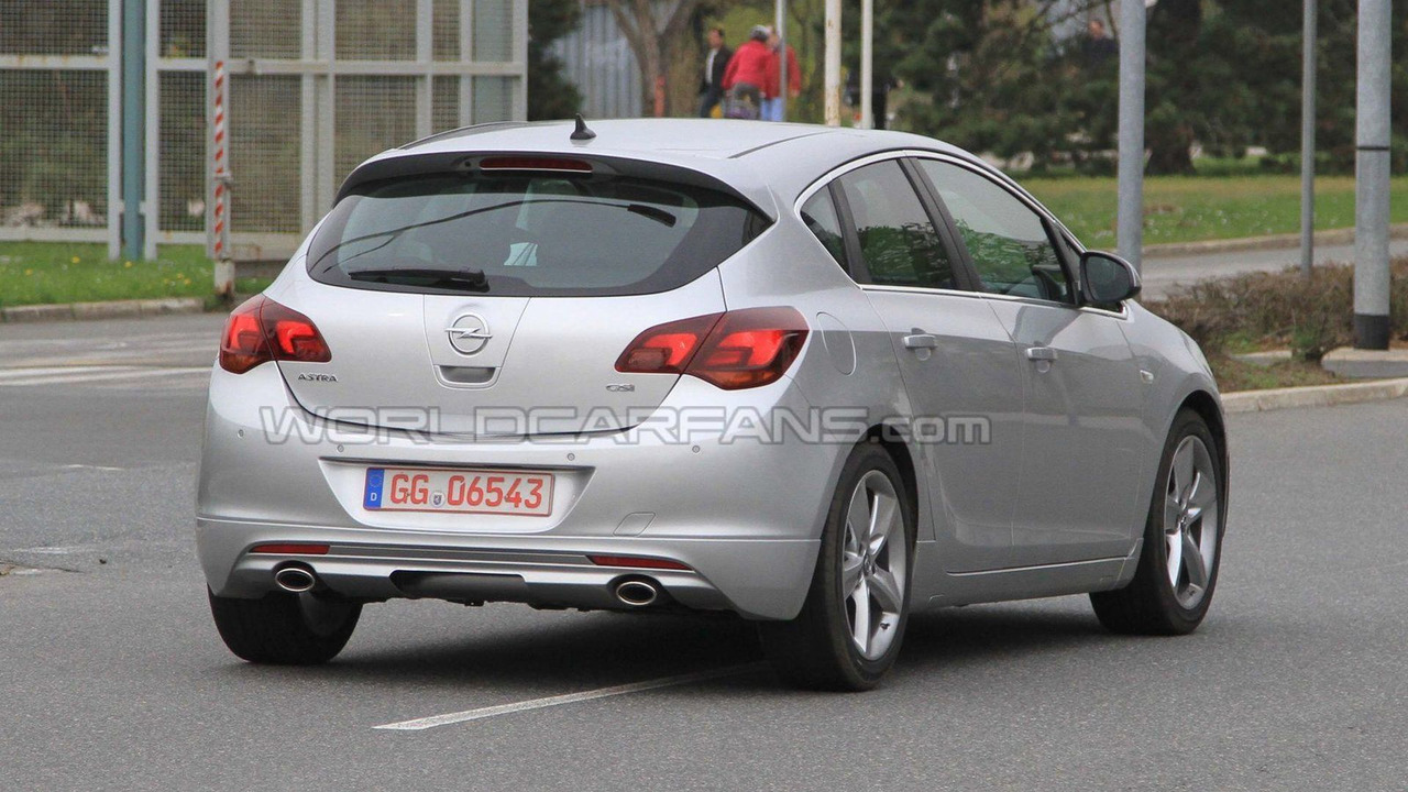 2011 Opel Astra GSI first spy photos 13.04.2010