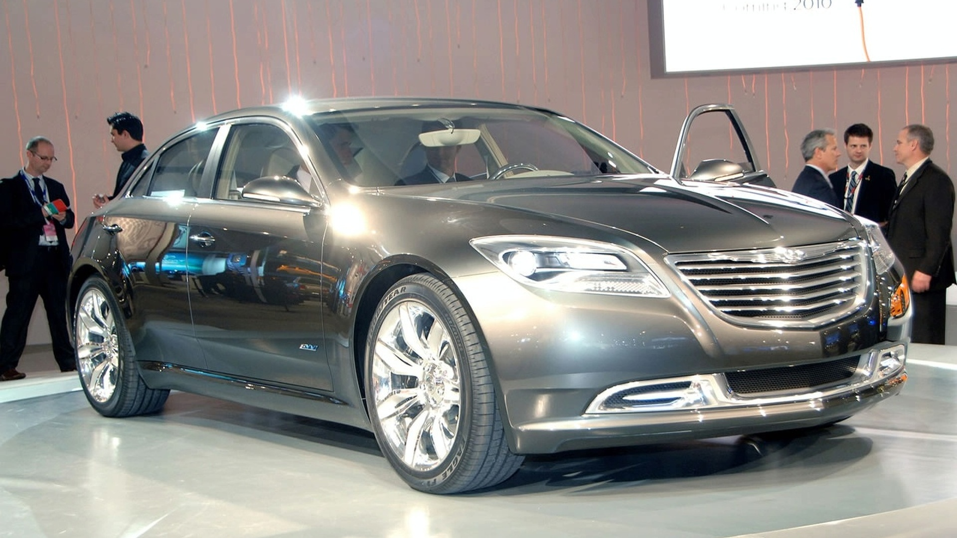 Chrysler 200C EV Concept Unveiled in Detroit