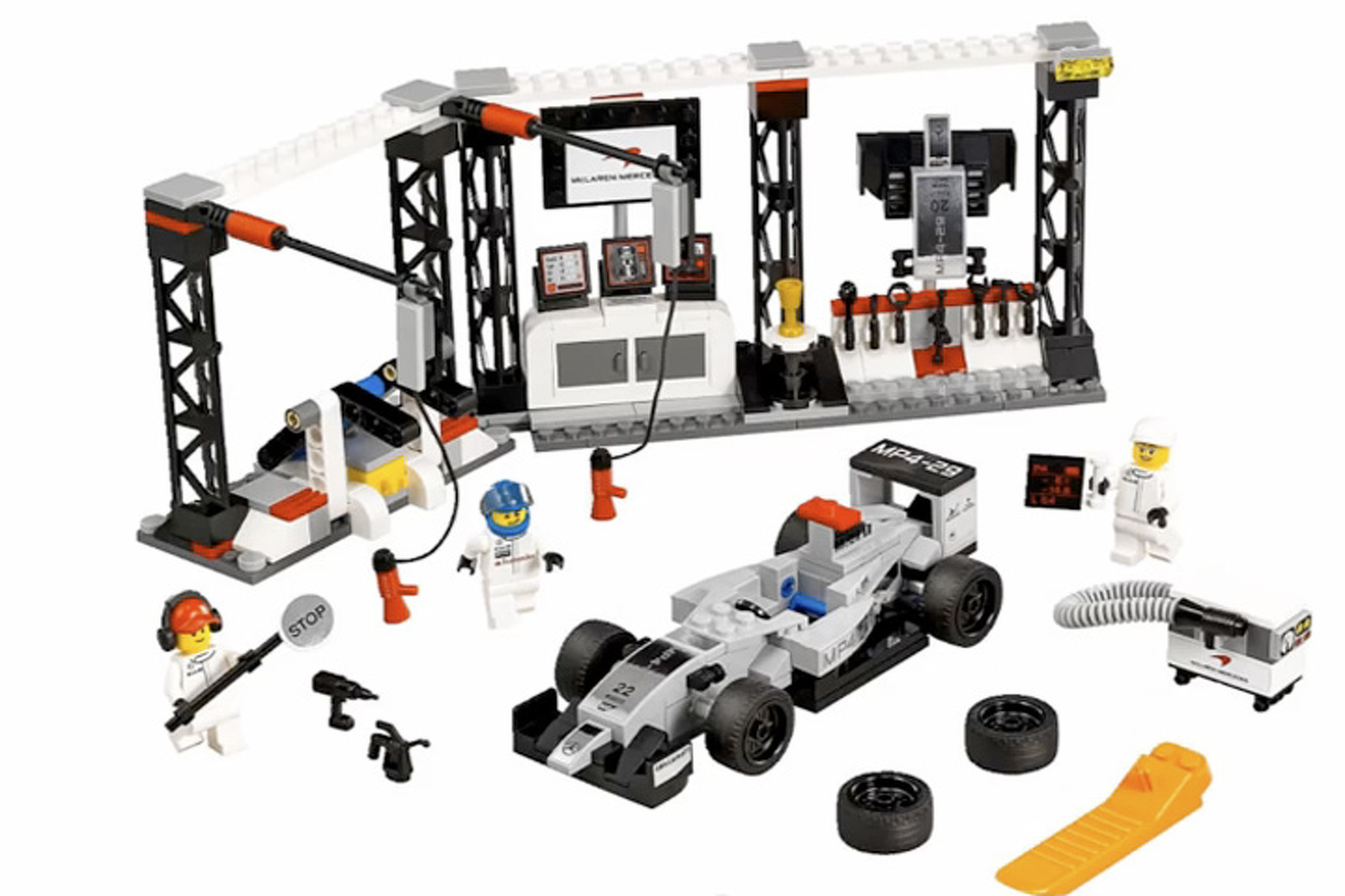 Porsche 918, McLaren P1 and LaFerrari become LEGO Sets