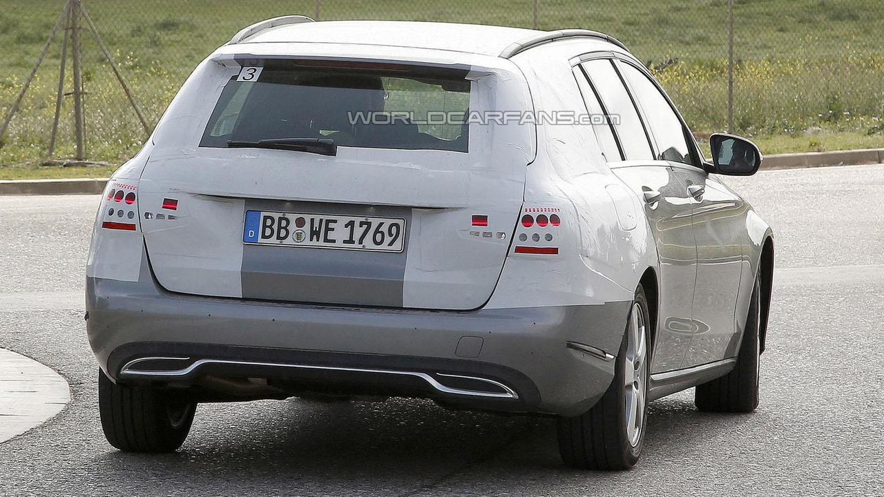 Mercedes C-Class Estate spy photo