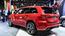 Jeep Grand Cherokee SRT Red Vapor live in Paris