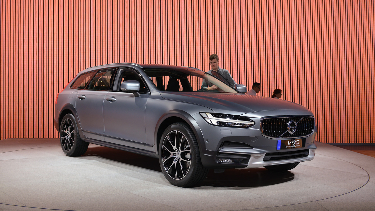 volvo v90 cross country exudes beautiful versatility in l a. Black Bedroom Furniture Sets. Home Design Ideas
