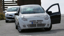 Facelifted Renault Clio Spotted for First Time