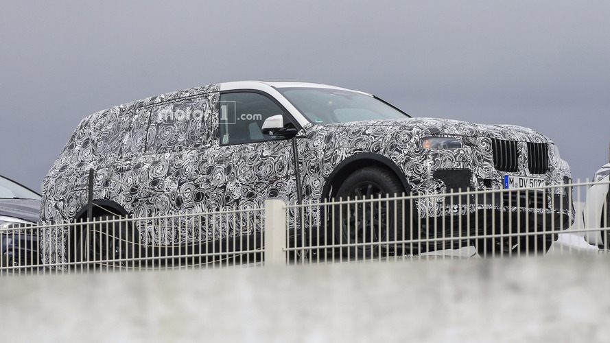 2019 BMW X7 spy photos