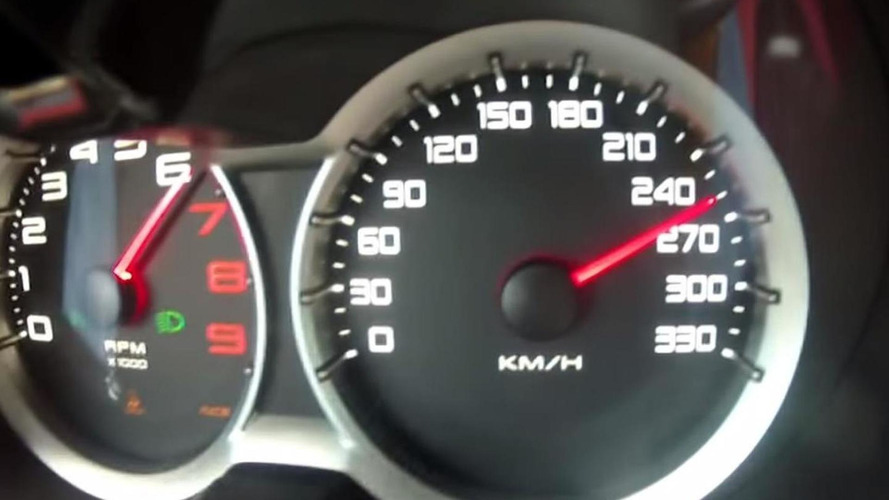 On-board video with Lotus Evora 400 pushed hard at Hethel, hits 260 km/h