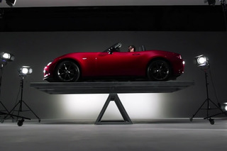 2016 Mazda MX-5 Miata Shows Off Perfect 50/50 Weight Balance