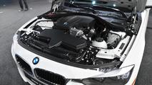 2013 BMW 320i live in Detroit 14.1.2013