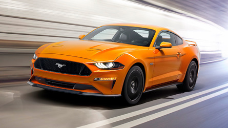 2018 Ford Mustang facelift before and after