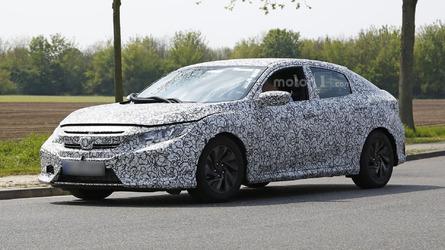 2017 Honda Civic Hatchback spied inside & out