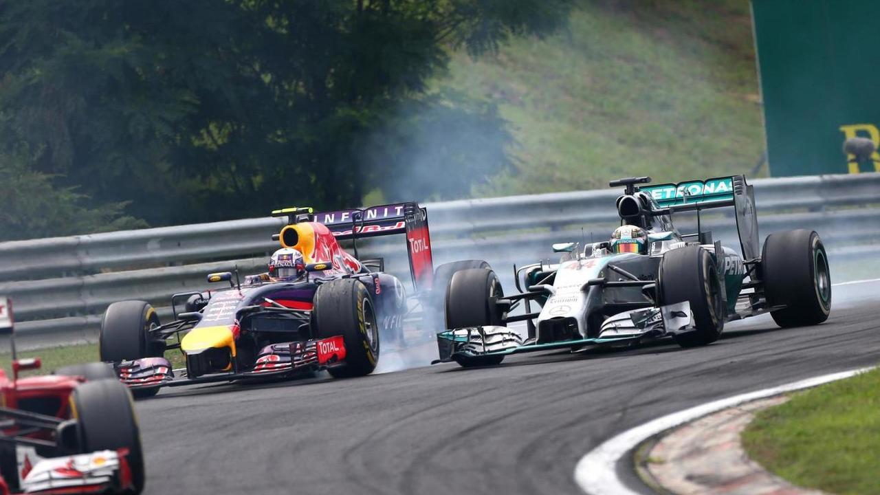Daniel Ricciardo (AUS) and Lewis Hamilton (GBR) / XPB