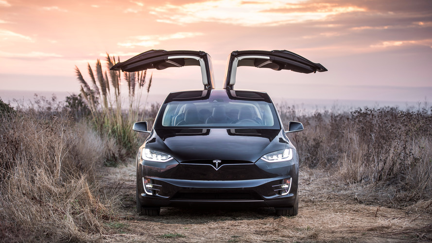 Tesla updates Model X software targeted to problematic wing doors