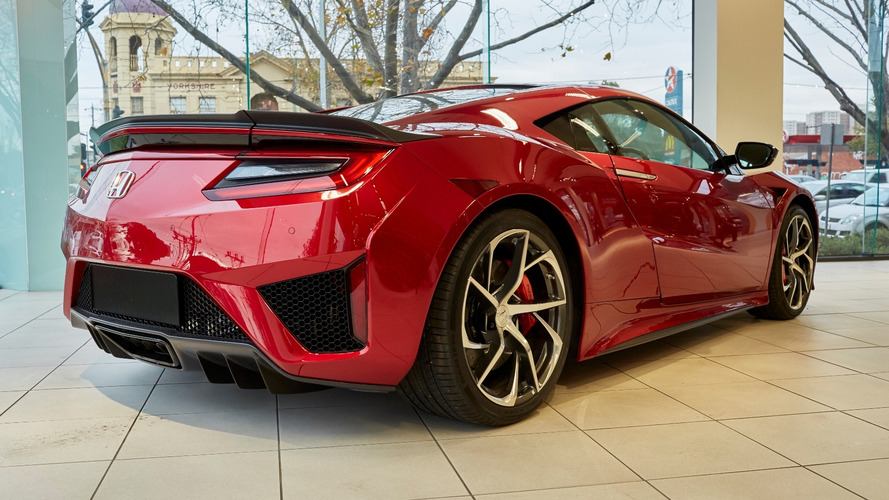 Acura NSX could get non-hybrid, lightweight versions