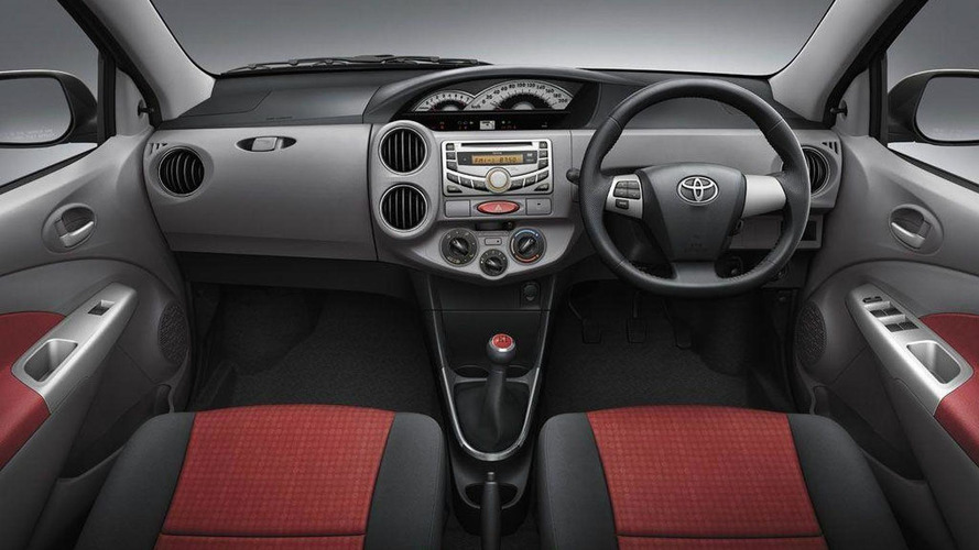 2011 Toyota Etios unveiled for India