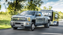 2017 Chevy Silverado HD and 2017 GMC Sierra HD