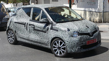 Next-gen Renault Twingo spied, looks like the Twin'Run concept