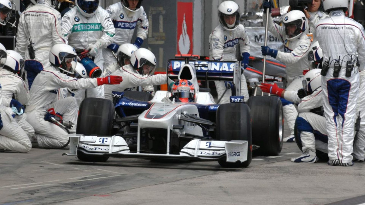Robert Kubica (POL), BMW Sauber F1.09 pit stop, German Grand Prix, Nurburgring, Germany, 12.07.2009