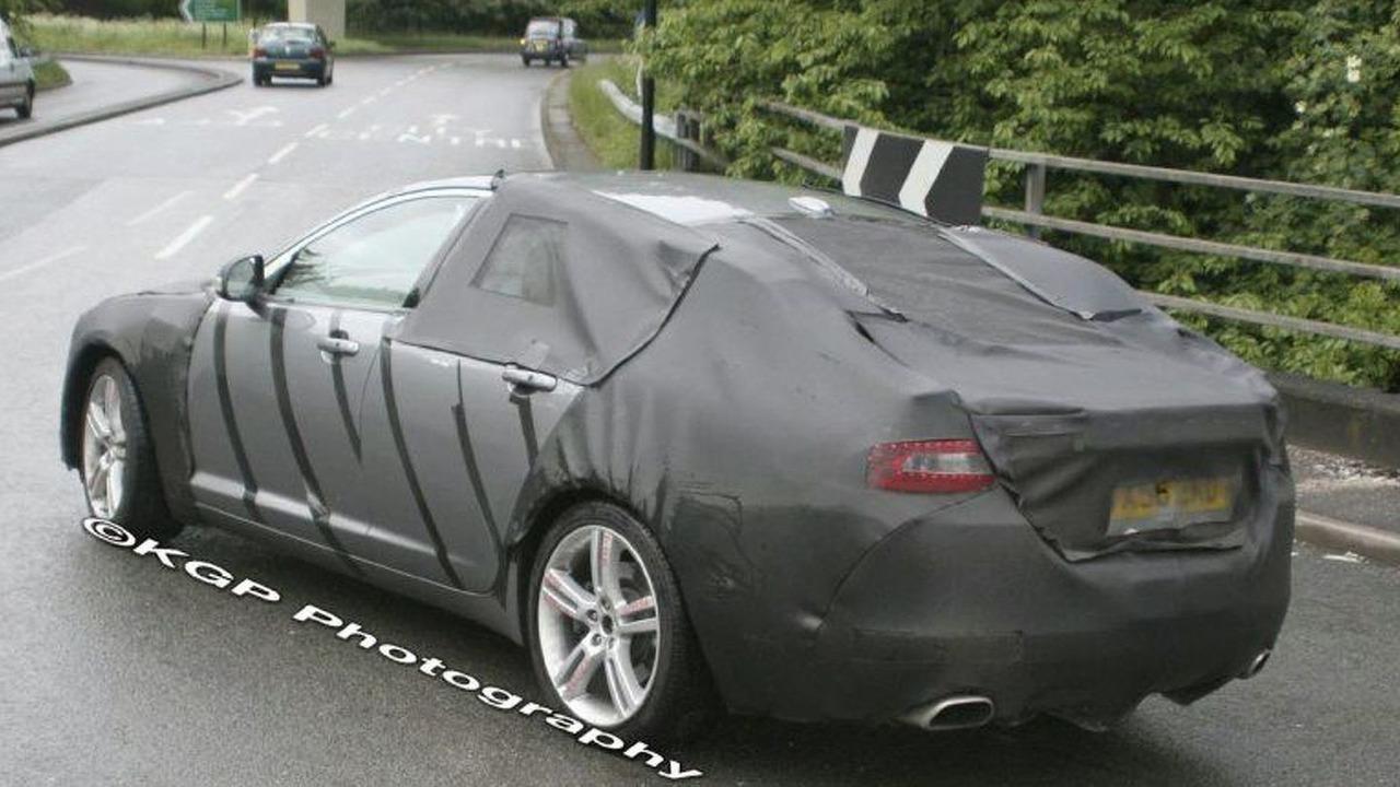 Jaguar XF spy photo