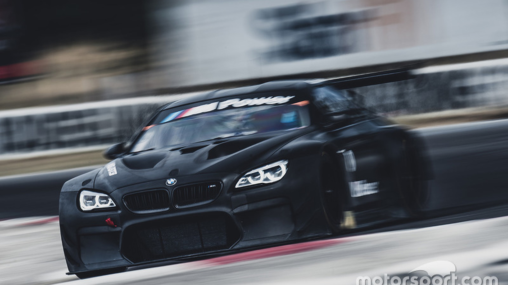 BMW GT3 car turns first laps in Australia [video]