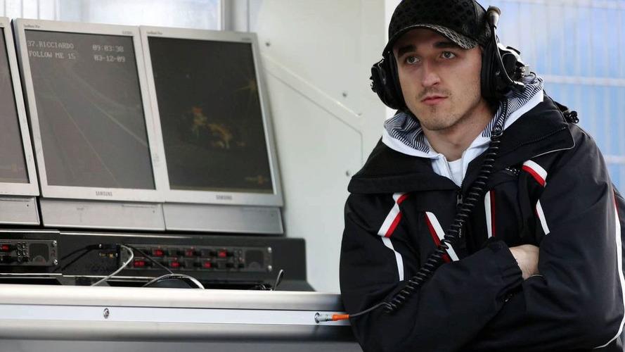 Kubica misses direct flight to Bahrain