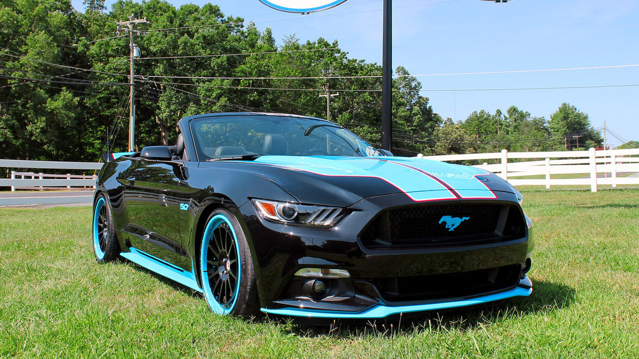 Petty's Garage 2016 Mustang GT King