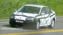 SPY PHOTOS: New Renault Laguna Wagon and Sedan