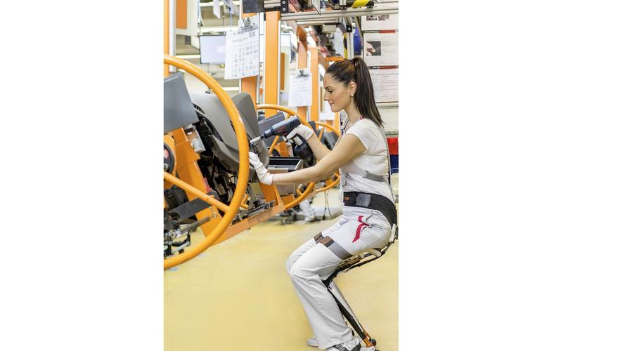 Bmw Workers Begin Quot Ekso Vest Quot Testing At Spartanburg Factory