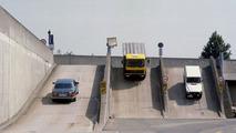 W126, trailer truck, G-model on gradient bridge