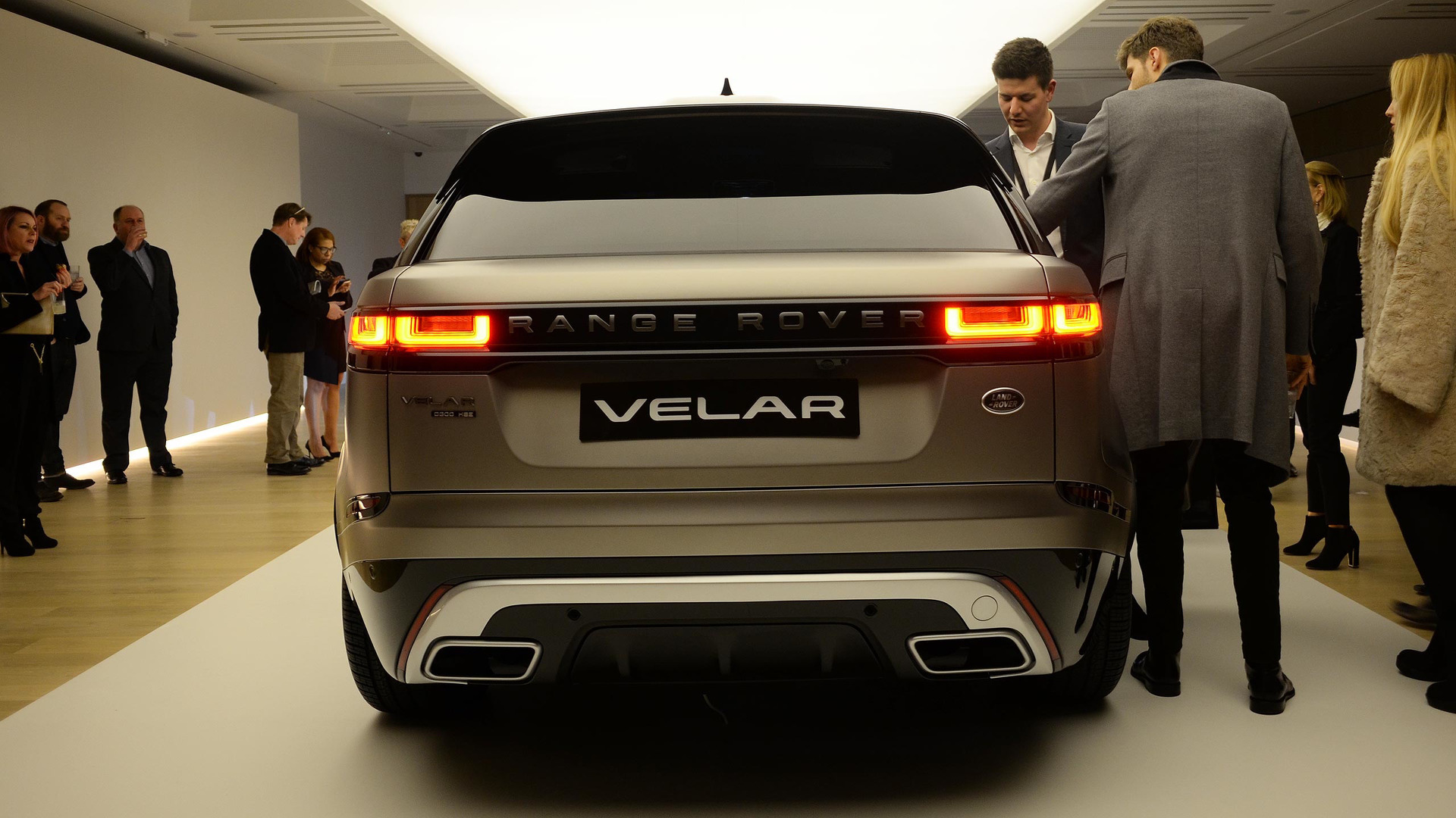 range rover velar 2017 p gina 9. Black Bedroom Furniture Sets. Home Design Ideas