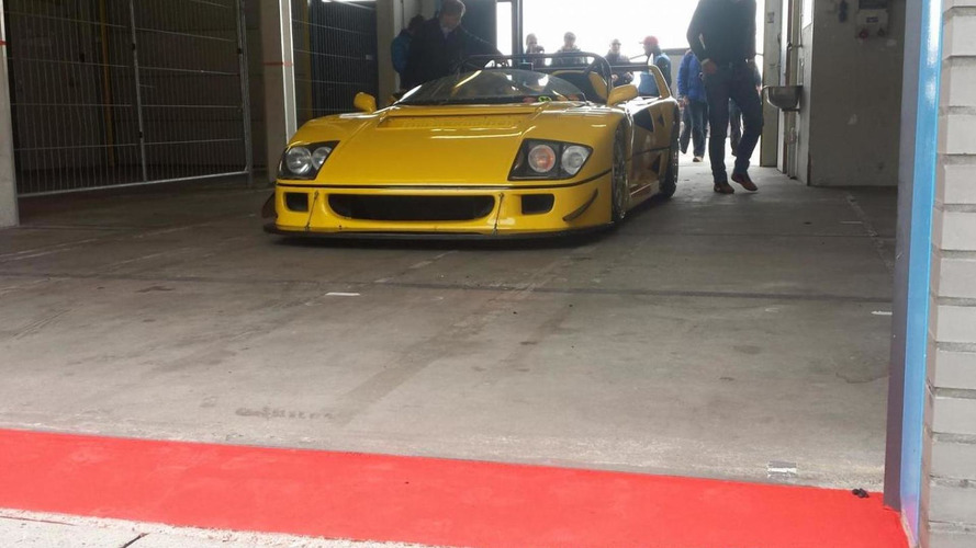 One-off Ferrari F40 LM Barchetta filmed on track [video]