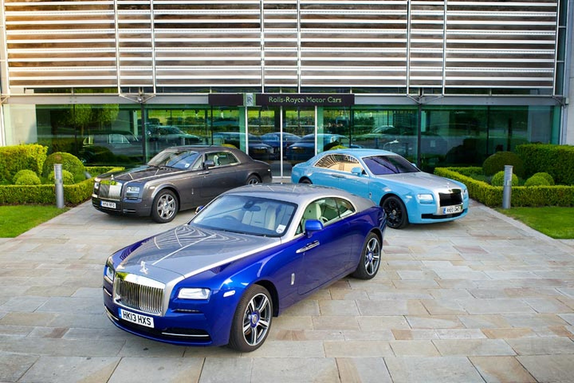 Rolls-Royce SUV Hitting the Market in 2017