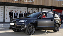 Audi delivers new cars to Barcelona players, once again Q7 3.0 TDI is most popular [video]
